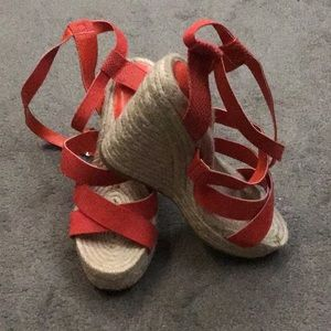 BNWT Beautiful Red H&M Wedges